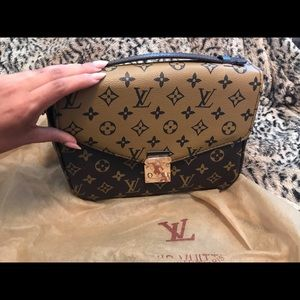 Louis Vuitton rep Metis reverse